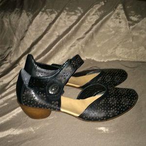 Rieker shoes 39 NWOT💕